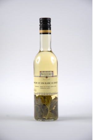 Vinaigre de vin blanc au basilic bahadourian vinaigre de for Detartrage au vinaigre blanc